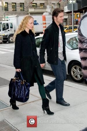 Jim Carrey and Anastasia Vitkina out and about in Manhattan New York City, USA - 10.02.12