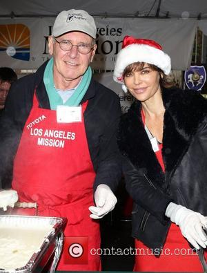 Harrison Ford And Melissa Gilbert Lend A Hand At Homeless Shelter
