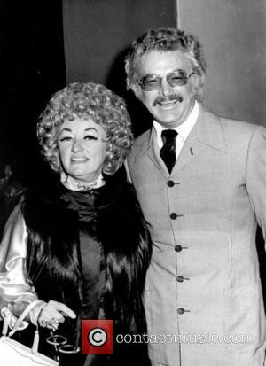 Phyllis Diller's Ashes To Be Scattered At Sea