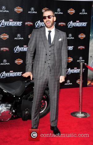 Chris Evans Credits Robert Downey, Jr. With Avengers Success