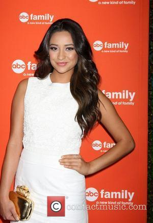 Shay Mitchell Ate Lunch In A Bathroom During High School