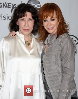 Lily Tomlin, Reba Mcentire and Beverly Hilton Hotel