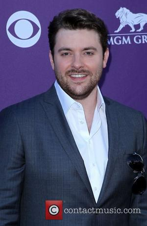 Chris Young Injures Eye With Guitar