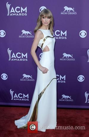 Taylor Swift Acm Date: Why Didn't He Attend?