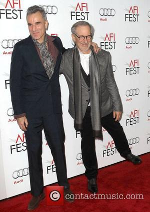 Steven Spielberg, Daniel Day-lewis and Grauman's Chinese Theatre