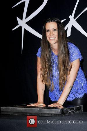 Alanis Morissette Eager To Get Back On Stage