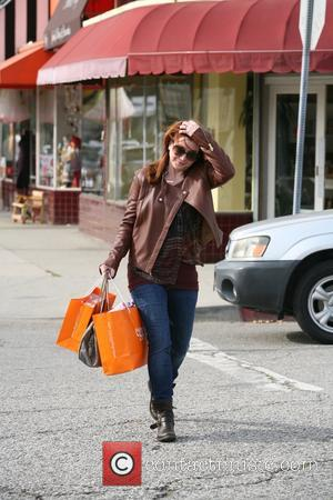 Alyson Hannigan Alyson Hannigan out shopping  Featuring: Alyson Hannigan Where: Los Angeles, California, United States When: 09 Jan 2013