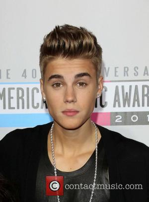 Justin Bieber Sued By Paparazzo, But Ex-pet Monkey Is Released From Quarantine