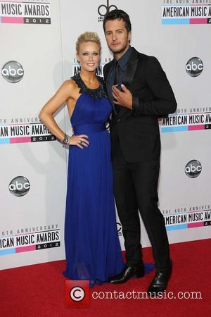 Luke Bryan Smashes American Country Awards With Nine Accolades