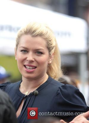 Amanda De Cadenet Breaks Down Over Pal Paltrow's Parenting Skills
