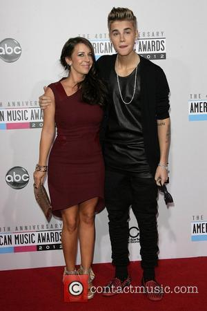 Justin Bieber Is Triple Winner At American Music Awards Spectacular