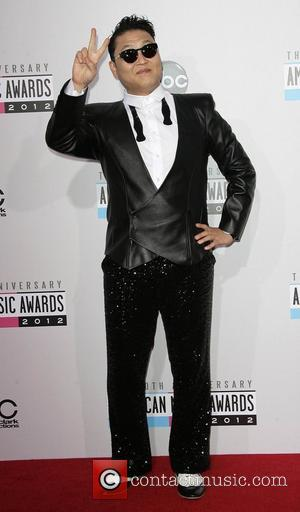 Stars go Crazy for Gangnam Style At 40th American Music Awards