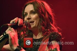 Amy Macdonald Suffers Seizure