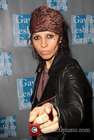 Linda Perry The L.A. Gay & Lesbian Center's 'An Evening With Women' at The Beverly Hilton Hotel - Arrivals Los...