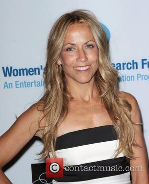Medical Expert Casts Doubt Over Sheryl Crow Tumor Claims
