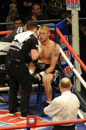 Andrew Flintoff is victorious in his first professional boxing fight, beating Richard Dawson from the USA on points at the...