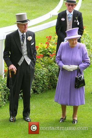 Prince Philip Kilt Photo: Royal Bares All At Highland Games