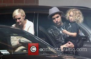 Ashlee Simpson chats with Meagan Camper in the car park at Jessica Simpson's Baby Shower as Fall Out Boy bassist...