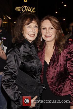 Elaine May and Marlo Thomas