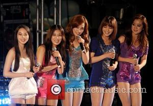 The Wonder Girls and Stevie Wonder