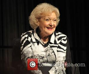 Betty White Joins Twitter To Seduce Ryan Seacrest?