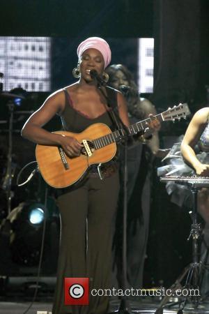 India Arie Slams Zoe Saldana's Nina Simone Role