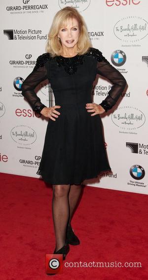Donna Mills Reveals She Has Osteoarthritis