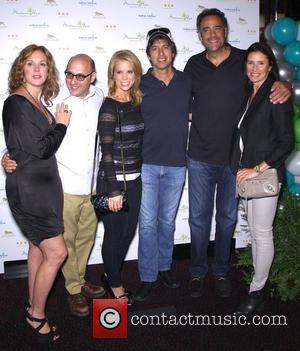 Elizabeth Perkins, Willie Garson, Cheryl Hines, Ray Romano, Brad Garrett and Mimi Rodgers