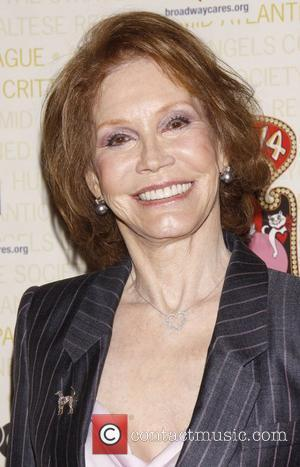 Mary Tyler Moore Nearly Blind After Diabetes Battle - Report