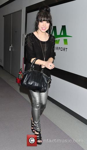 Caryl Rae Jepsen arrives in Tokyo Tokyo, Japan - 06.11.12