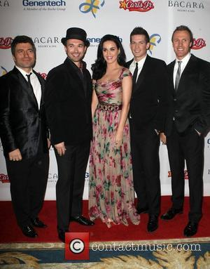 Katy Perry and The Tenors