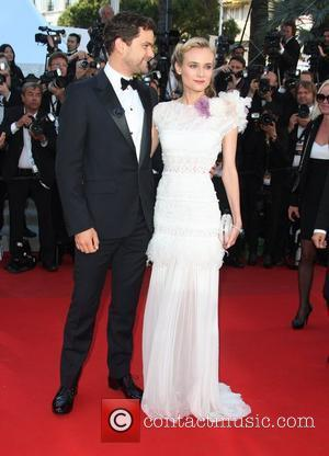 Joshua Jackson And Diane Kruger: Was Necklace An Engagement Present?
