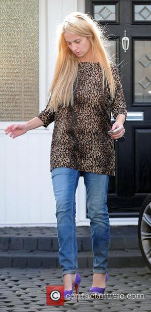 Chantelle Houghton leaving her mother's house after spending the night there Essex, England - 02.10.12