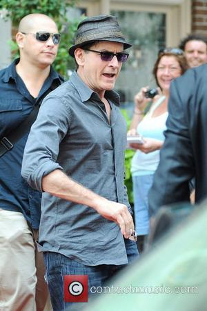 Charlie Sheen leaves his hotel Toronto, Canada - 16.08.12