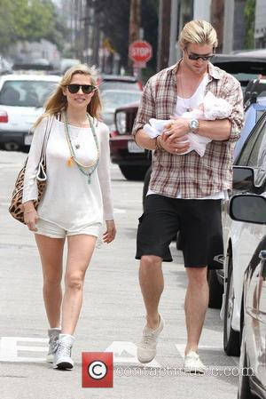 Elsa Pataky, Chris Hemsworth and Outfit