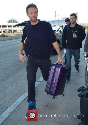 Chris Martin Chris Martin arrives at LAX airport  Featuring: Chris Martin Where: Los Angeles, California, United States When: 12...