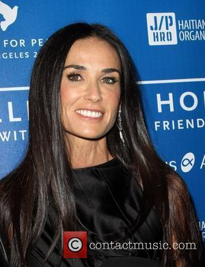 Demi Moore Was Having Convulsions, According To 911 Call