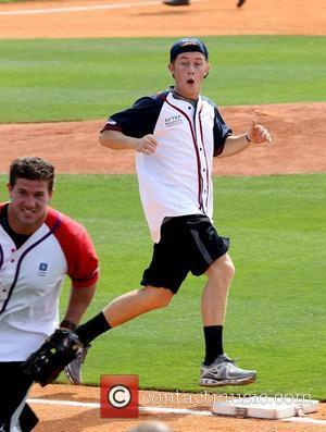Scotty McCreery The 22nd Annual City of Hope Celebrity Softball Challenge at Greer Stadium Nashville, Tennessee - 09.06.12