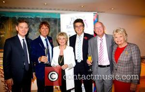 Anthony Andrews, Judith Chalmers OBE, Sir Cliff Richard, Gloria Hunniford, Mike Reed The Lady Taverners tribute lunch to Sir Cliff...