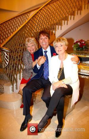 Judith Chalmers, Sir Cliff Richard and Gloria Hunniford