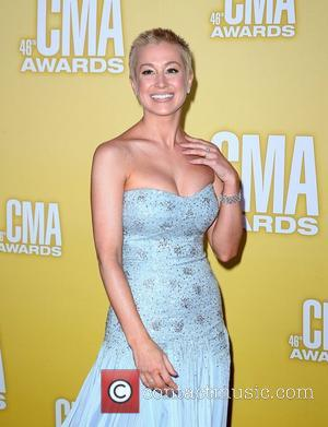 Kellie Pickler's Shaved Head Paraded at CMA Awards