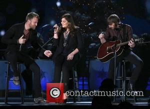 Hillary Scott of Lady Antebellum's First Christmas Present? A baby!