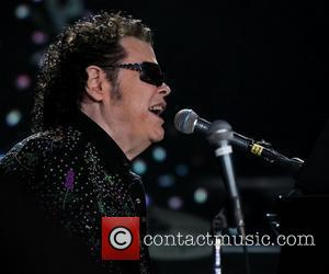 Ronnie Milsap Lands Country Hall Of Fame Exhibit