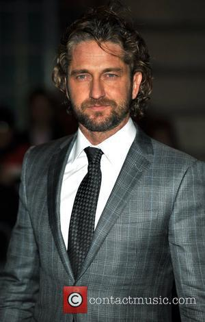 Gerard Butler Embarrassed By Wedding Kilt Flash