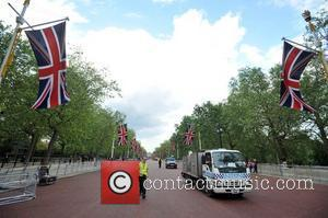 Preparations for the Diamond Jubilee are ongoing around Buckingham Palace. London, England - 30.05.12