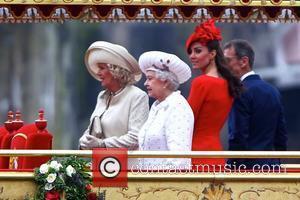 Queen Elizabeth Ii's Diamond Jubilee Flotilla Lands New World Record
