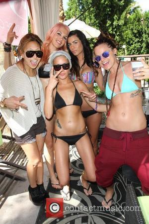 Francine Beppu, Sara Bettencourt, Whitney Mixter, Lauren Bedford Russell, Amanda Leigh Dunn Dinah Shore Club Skirt 2012 Day 1 held...