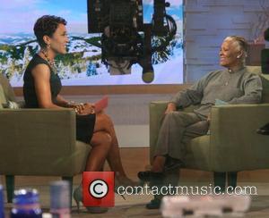 Robin Roberts, Abc, Dionne Warwick and Good Morning America