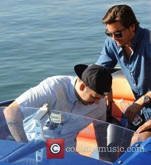 Scott Disick and Robert Kardashian go for a boat ride in Los Angeles Los Angeles, California - 03.10.12
