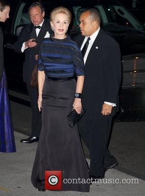 Renee Zellweger Honours Carolina Herrera At Fashion Gala